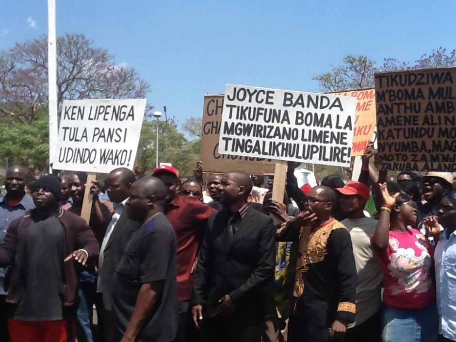 A few that turned to protest against the looting of public coffers